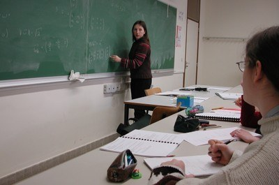 Prof avec élèves