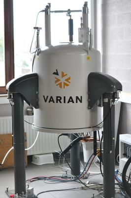 RMN 400 MHZ Varian VNMRS